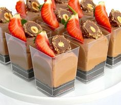 Dessert For Dinner, Dessert Table, Sweets Recipes, Snack Recipes, Edible Fruit Arrangements, Mini Dessert Cups, Parfait Desserts, Dessert Shooters, Nutella Cheesecake