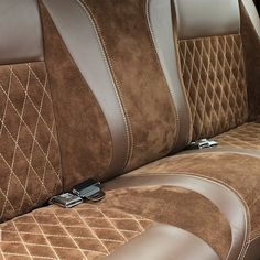 Beautiful bench seat upholstered by @sewseam / #autotrim #autoupholstery #upholstery #carinterior #thehogring