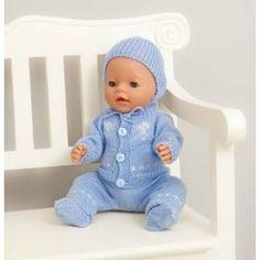 Jakke, bukse lue og sokker - Viking of Norway Doll Patterns, Clothing Patterns, Knitting Patterns, Knitting Dolls Clothes, Sewing Dolls, Viking Baby, Bitty Baby, Baby Knitting, Baby Dolls
