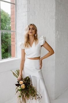 Bridal Separates From Halfpenny London // Minimalist Bridal Inspiration Styled By One Stylish Day With Foliage & Dried Flowers // Bridal Wear By Halfpenny London // Images By Agnes Black Bridal Shoot, Bridal Gowns, Wedding Dresses Plus Size, Weding Dresses, Modest Wedding, Wedding Bouquets, Bridal Separates, Minimalist Wedding, Minimalist Style