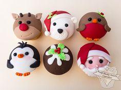 Mini Christmas Cakes, Christmas Cupcake Toppers, Christmas Cupcakes Decoration, Fondant Cupcake Toppers, Cupcake Icing, Christmas Sweets, Christmas Baking, Cupcake Cakes, Cakepops