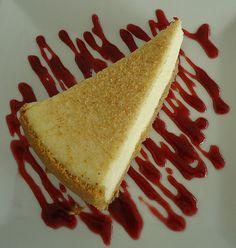 Ihr sucht das beste Rezept für einen Cheesecake bzw. Käsekuchen? Dann seit ihr nun am Ende eure langen Suche angelangt. Dieses Rezept ist nicht nur ganz einfach, sondern liefert auch das beste Ergebnis. Ich freu mich auf eure Meinungen! Ich braucht: Für den Teig: 200 g Mehl 75 g Zucker 75 g Margarine 1 Ei(er) …