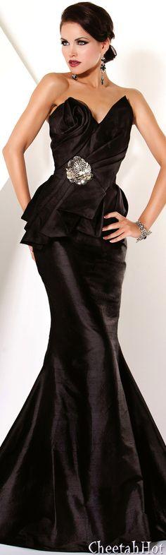 JOVANI - Authentic Designer Dress - Sleek & Strapless Full Length Gown - now that is a little black dress