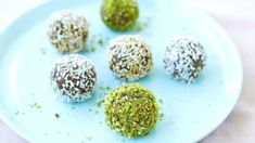 These easy-to-make, good-for-your-tummy snack balls are the perfect snack for kids (and grown-ups!) at any time of the day. Weigh out and separate all the Vegan Gluten Free, Vegan Vegetarian, Dairy Free, Drops Recipe, Balls Recipe, Vegan Recipes, Rolls, Coconut, Snacks