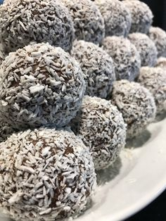 Do I need to eat fat bombs? All questions about fat bombs relating to keto diet, answered! Junk Food, Intermittent Fasting Coffee, Coconut Fat Bombs, Grandma Cookies, Swedish Recipes, My Dessert, Eat Fat, Candy Recipes, Yummy Recipes