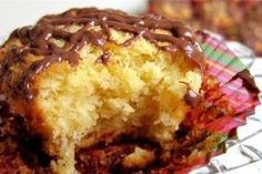 κεκακια Greek Sweets, Greek Desserts, Candy Recipes, Sweet Recipes, Cookbook Recipes, Cooking Recipes, Cooking Tips, Coconut Macaroons, Cake Bars