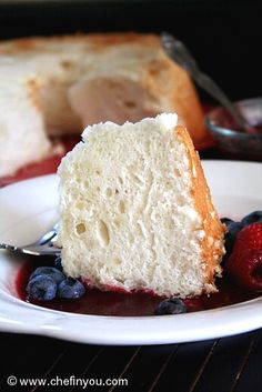A fat free Cake made from Egg whites with a delicious drizzle of mixed summer berries and cherry sauce. Light and refreshing dessert. Perfect for all occasions. Fat Free Recipes, Sweet Recipes, Cake Recipes, Dessert Recipes, Low Fat Desserts, Just Desserts, Cupcakes, Cupcake Cakes, Angel Food Cake