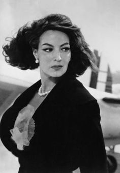 Maria Felix, La doña, the one and only. Diva Quotes, Bitch Quotes, Karma Quotes, Divas, Yves Montand, Jean Gabin, Mexican Quotes, Best Quotes, Funny Quotes
