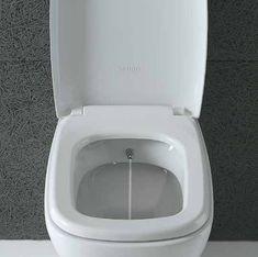 Quando lo spazio per il bidet non c'è, basta optare per una soluzione wc con bidet ad ugello interno, azionabile dall'esterno. Globo