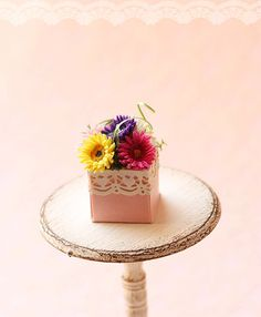 Dollhouse miniature gerbera daisies in 1/12 by miniaturepatisserie, $52.90