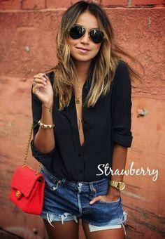 Δε νομίζω να μην έχεις μαύρο πουκάμισο στην ντουλάπα σου! Αν δεν έχεις να η ευκαιρία σου! 22 € εδώ http://mikk.ro/api