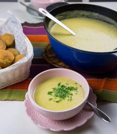 Potatissoppa med purjolök - ZEINAS KITCHEN Food For Thought, Scones, Cheeseburger Chowder, Lunch, Eat, Ethnic Recipes, Dinners, Kitchen, Dinner Parties