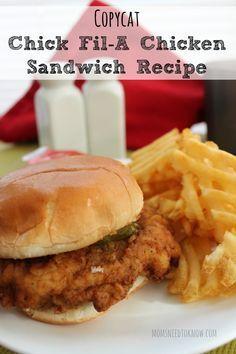 Copycat Chick Fil A Chicken Sandwich Recipe. Love Chick-fil-A sandwiches. Chick Fil A Chicken Sandwich Recipe, Chick Fil A Sandwich, Copycat Recipes, Great Recipes, Dinner Recipes, Favorite Recipes, Yummy Recipes, Dinner Ideas, Gastronomia