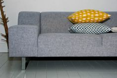 Nu säljer jag min soffa! Bolia Seville 2,5 sits Bolia Sofa, Seville, Living Area, Sofas, Love Seat, Couch, Furniture, Design, Home Decor