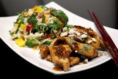 Saaranlautasella: Teriyaki kanaa, inkiväärihillokkeella ja nuudelisalaatilla. Super maukasta ja kevyttä.