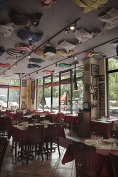 Piazza Italia - I don't care what anyone says, I think it's the best Italian restaurant in Portland, Oregon!