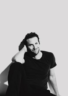 Handsome Bradley Cooper has finally been named The Sexiest Man Alive! The Hangover, Jennifer Esposito, Logan Lerman, Amanda Seyfried, Hot Men, Pretty People, Beautiful People, Shia Labeouf, Eric Dane