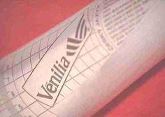 Papier adhésif Venilia, pour redécorer des portes de placard, une crédence, faire ses stickers muraux soi-même,...