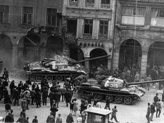 Prague Spring in Czechoslovakia Prague Spring, T 62, Military Armor, Old Paintings, Life Goes On, God Of War, Armored Vehicles, Cold War, More Pictures