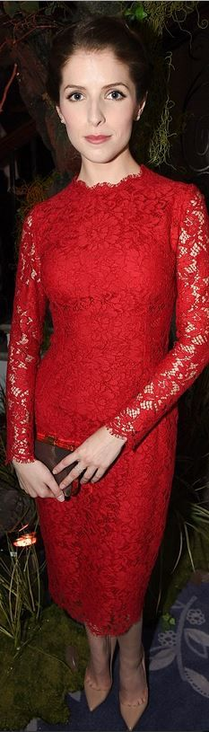 Who made Anna Kendrick's red lace dress that she wore in London?