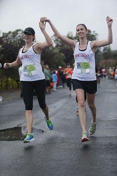 Friends who run together have fun together! #HBWineHalf