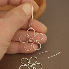 Sterling Silver Daisy Earrings - Perfections.com                                                                                                                                                      Más