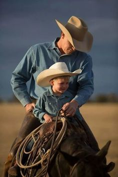 how cute!how cute! Little Cowboy, Cowboy Horse, Cowboy Up, Cowboy And Cowgirl, Cute Country Boys, Country Couples, Country Life, Country Babies, Country Living