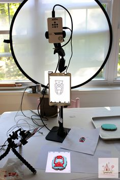 Caramel Royal Icing - Projector - Ideas of Projector - Caramel Royal Icing Recipe & Video of Decorating Camping Cookies Royal Icing Recipe With Egg Whites, Royal Icing Cookies Recipe, Sugar Cookies, Cookies Et Biscuits, Owl Cookies, Fondant Cookies, Cupcakes, Edible Ink Printer, Camping Cookies