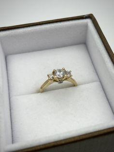 Bague en or jaune et cubiques zirconiums Heart Ring, Wedding Rings, Engagement Rings, Jewelry, Yellow Gold Rings, Enagement Rings, Jewlery, Jewerly, Schmuck