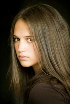 Alicia Vikander as Philippa. She has made her choice. Love the determination in her eyes and the long hair Lymond loves so much. The Chronicles Book 6 - Checkmate.
