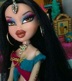 """Obtain terrific pointers on """"bratz dolls"""". They are offered for you on our internet site. Bratz Doll Makeup, Bratz Doll Outfits, Bratz Doll Halloween Costume, Halloween Face Makeup, Halloween Halloween, Vintage Halloween, Beyonce, King B, Brat Doll"""