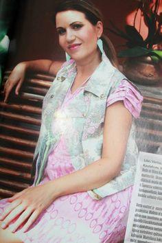 9 kuukautta 08/2013 Kuvassa Second Chansen mekko ja Delfia Designin hiuspanta.