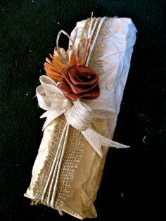 Kraft paper, burlap, 4-loop burlap bow, beige & orange rafia flowers, brown satin rose. #giftwrapping