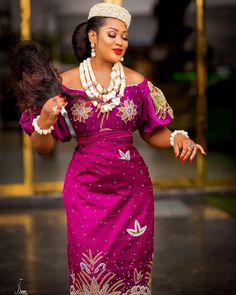 Anita Joseph brought her beef with Uche Elendu into 2020 shading her while celebrating Uche Ogbodo. African Bridal Dress, African Party Dresses, African Lace Dresses, African Dresses For Women, African Attire, African Women, African Traditional Wedding Dress, Traditional Wedding Attire, Igbo Bride