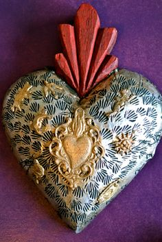 Mexican devotional art : the sacred heart ©Mexico Import Arts