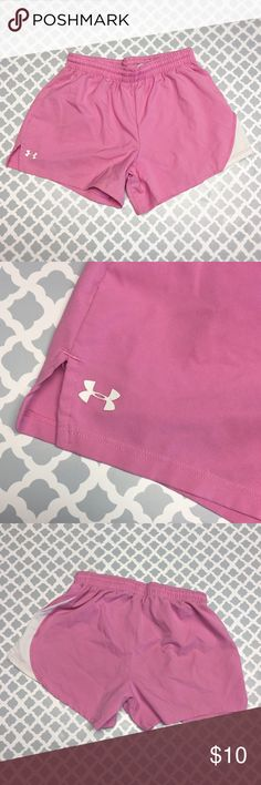 Under Armour Girls Youth Athletic Running Shorts Under Armour Girls Youth Size YLG youth Large Athletic Running Shorts. Soft pink and white, draw string Front, excellent preowned condition. Inventory: A Under Armour Bottoms Shorts