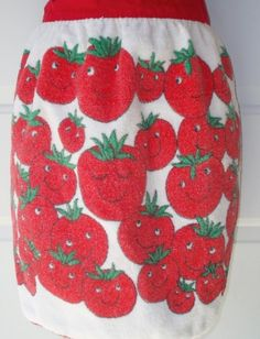 Vintage tomato apron from etsy Aprons, Kitchen, Cute, Etsy, Vintage, Food, Cooking, Apron Designs, Kawaii