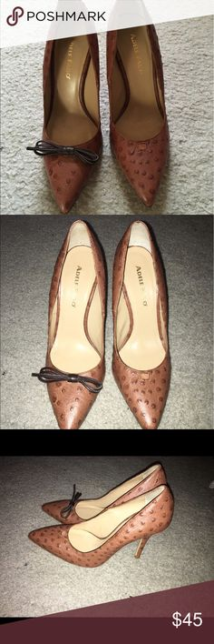 Adele Fado Ostrich Brown Leather Pumps Sz 6 NWOT Lovely pair of Adele Fado Ostrich Brown Leather Pumps Sz 6! ITALIAN SHOE MAKER. In my opinion, these fit like a 6.5. The left shoes is missing its bow. Never worn, must have fell off in transition. Adele Fado Shoes Heels