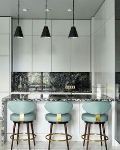 Russian Contemporary Apartment with Boca do Lobo by Ekaterina Lashmano Apartment Bar, Warehouse Apartment, Top Interior Designers, Best Interior, Big Kitchen, Kitchen Design, Table And Chairs, Dining Table, Contemporary Apartment