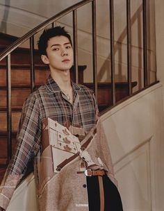 Sehun looks very handsome here! Exo Ot12, Hunhan, Kyungsoo, Rapper, Sehun Cute, Kim Minseok, Kpop Exo, Exo Members, Park Chanyeol