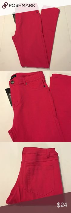 🆕 Hot Pink Magenta Skinny Pants Jeggings Beautiful pair of hot skinny pants Jeggings. Available in various sizes. Stretchy and skinny leg. Back pockets. Perfect fit! Brand new with tags. Brand: Priceless Priceless Pants Skinny