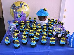 batman party cupcakes