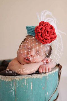 THIS IS A CROCHET PATTERN ONLY, NOT A FINISHED PRODUCT.    This listing is for an amazing photo prop!! A vintage inspired mini pillbox hat.