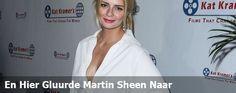 En Hier Gluurde Martin Sheen Naar