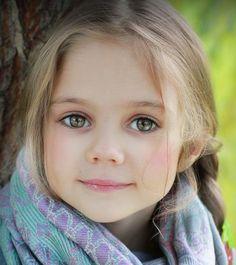 Sweet face, I love her eyes!