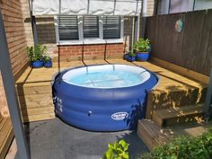 Hot Tub Gazebo, Hot Tub Backyard, Pallet Decking, Decking Ideas, Hot Tub Surround, Little Pool, Diy Garden Furniture, Getaway Cabins, Roof Structure