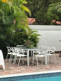 Jorge Pensi designed the DELTA chair for the Spanish brand Vondom, synonymous with professional quality furniture. This chair is designed for intensive outdoor use. #chair #armchair #restaurant #bar #inspiration #vondom #outdoor #barazzi www.barazzi.com