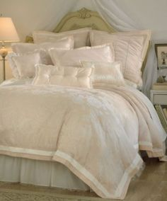 ~ LUV THE SOFTENING LOOK OF LOTS OF DECORATIVE PILLOWS BUT DON'T LIKE HAVING TO FIND A PLACE TO PUT THEM EVERY EVE ~