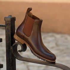 Handcrafted Custom Made Women's Chelsea Boot in Medium Brown Polished Calf Leather From Robert August. Create your own custom designed shoes. Mens Shoes Boots, Mens Boots Fashion, Shoe Boots, Men's Boots, Custom Made Shoes, Custom Design Shoes, Gents Shoes, I Love My Shoes, Slip On Boots