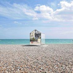 Worthing-Beach-Hut-by-ECE-Architecture_dezeen_sq2